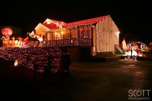 Christmas Lights on Lee's River Drive - Somerset, MA