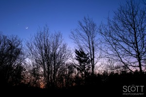 Moon, Venus, and Mars Conjunction at Sunset - February 20th, 2015
